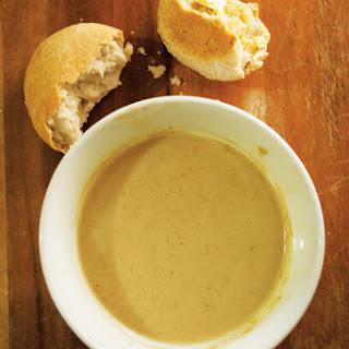 Fein Tau Faluma tuma Adulu Tau Yuga (Coconut Bread with Cassava Porridge).
