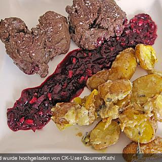 Hirschsteaks mit Granatapfel-Chili-Soße