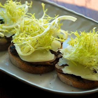 Lemony Mushroom and Frisee Toasts Recipe