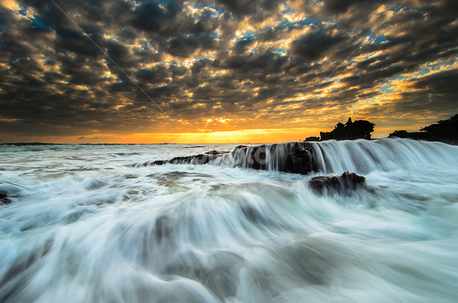 stream of Lot by Raung Binaia - Landscapes Waterscapes