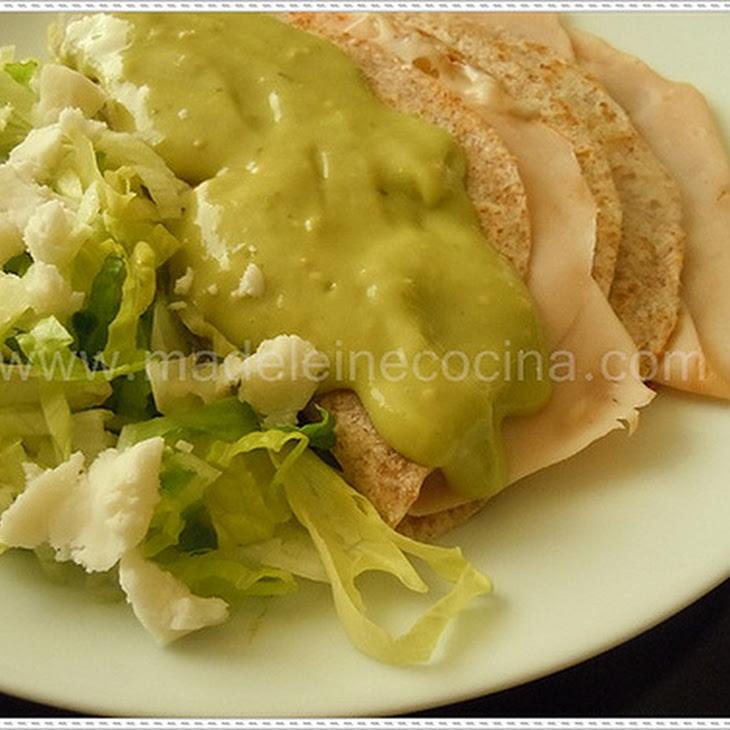 Avocado and Green Tomato Sauce Recipe