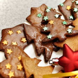 Classic Christmas Tree Gingerbread Cookies