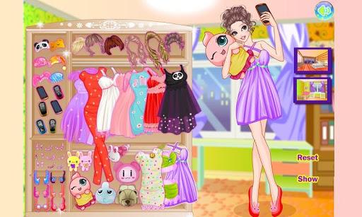 Girl Phone and Dress Match