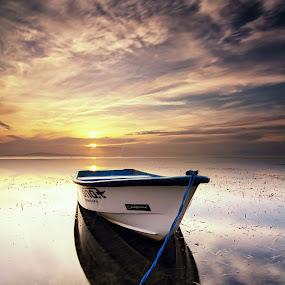 Waiting for the sun by Calvin Go - Transportation Boats ( bali, indonesia, sanur, beach, boat, longexpo )