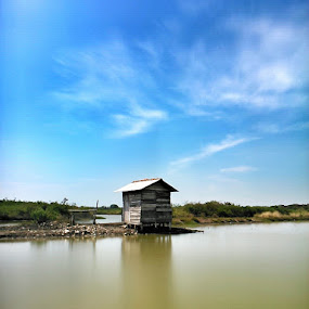 Small hut in the middle of a fish pond by Irfan Efendi - Landscapes Weather