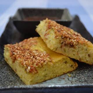 Lentil & cornmeal bread (Handvo).