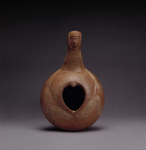 Ceramic ceremonial vessel that represents a female body ML004200