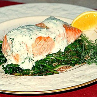 Grilled Salmon w/ Spinach & Yogurt Dill Sauce