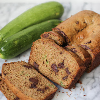 {Healthier} Chocolate Chip Zucchini Bread
