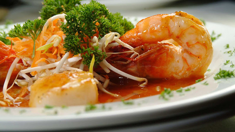 Freshly cooked shrimp prepared for cruise vacationers in Panama.