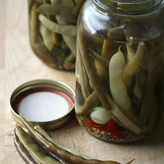 Spicy Pickled Dilly Beans