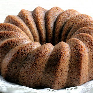 Low-Carb Cinnamon Bundt Cake (Dairy-Free)