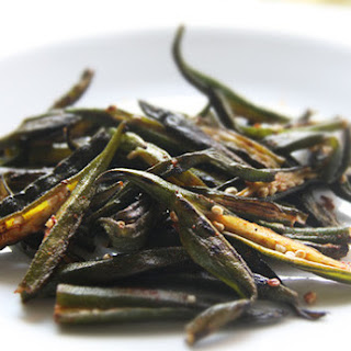 Dry, Spiced Ladyfingers (Okra).
