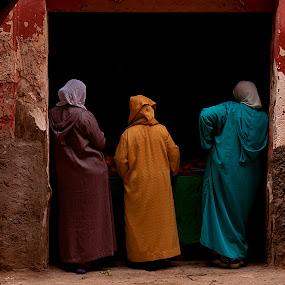 Three women in Marrakech by Marco Parenti - People Street & Candids ( marrakech, street, travel, morocco, people )