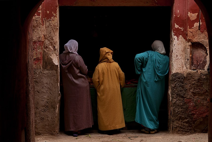 Three women in Marrakech by Marco Parenti - People Street & Candids ( marrakech, street, travel, morocco, people )