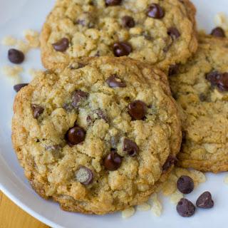 Crispy Crunchy Oatmeal Cookies.