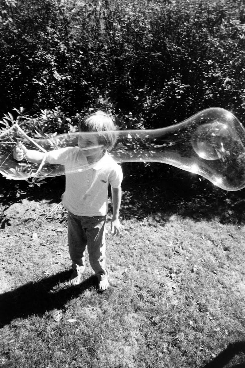 Kid's Bubble-Blowing Toy
