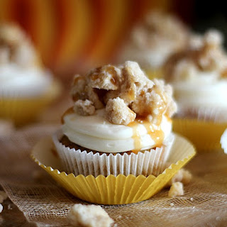 Cinnamon Streusel Pumpkin Cupcake with White Chocolate Cream Cheese Frosting