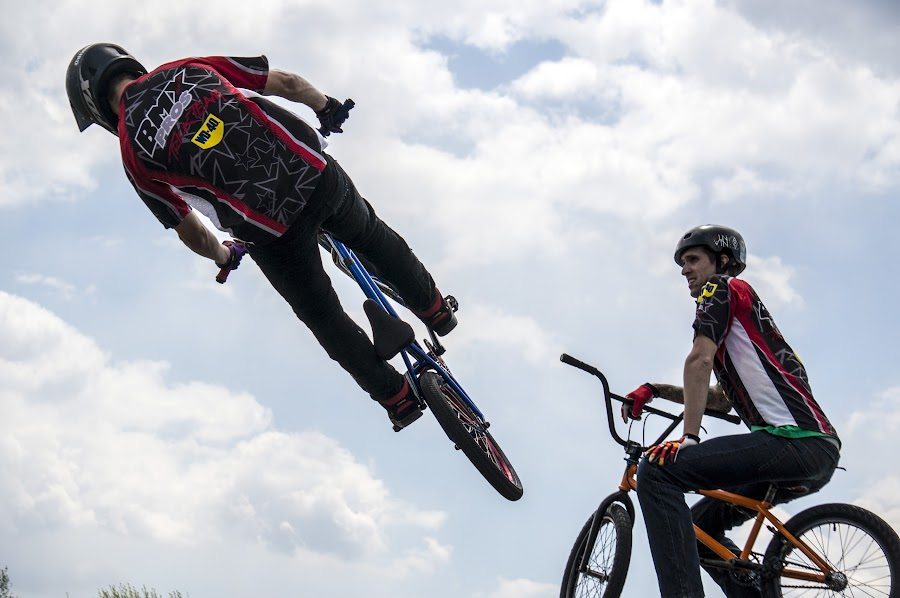 by Brian Sendler - Sports & Fitness Cycling
