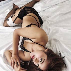 Miss Ratri by Jiboy Mandey - Nudes & Boudoir Boudoir ( boudoir photography, lingerie, sigma, jiboy, nikon )
