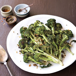 Roasted Broccoli with Red Pepper Flakes and Garlic