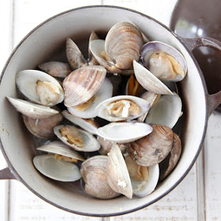 Clams with White Wine Sauce.
