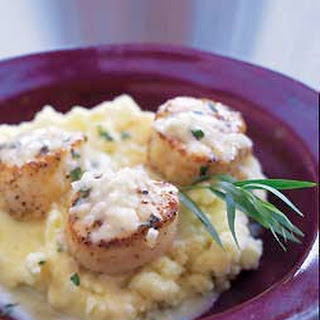 Scallops with Mashed Potatoes with Tarragon Sauce