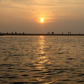 Beam to the Horizon by Kadhiravan Umasankar - Landscapes Sunsets & Sunrises (  )