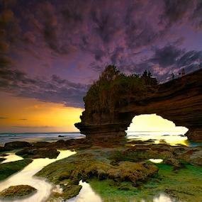 Batubolong by I Komang Windu - Landscapes Cloud Formations ( canon, clouds, bali, indonesia, sunset, tabanan, rocks, photography,  )
