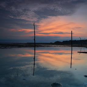 Trial Sunset In The Morning by Medis Diwangkara - Landscapes Sunsets & Sunrises ( sunrise, beach, landscape, batam, photography )