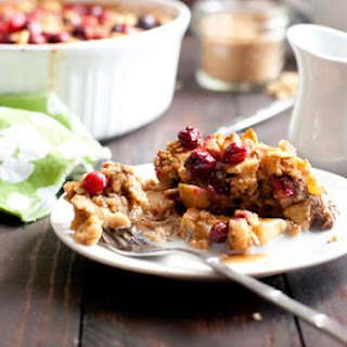 Baked Oatmeal with Cranberries, Apples and Cinnamon