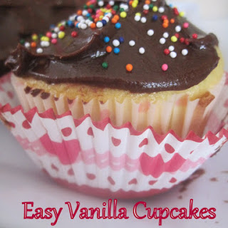 Easy Vanilla Cupcakes Recipe
