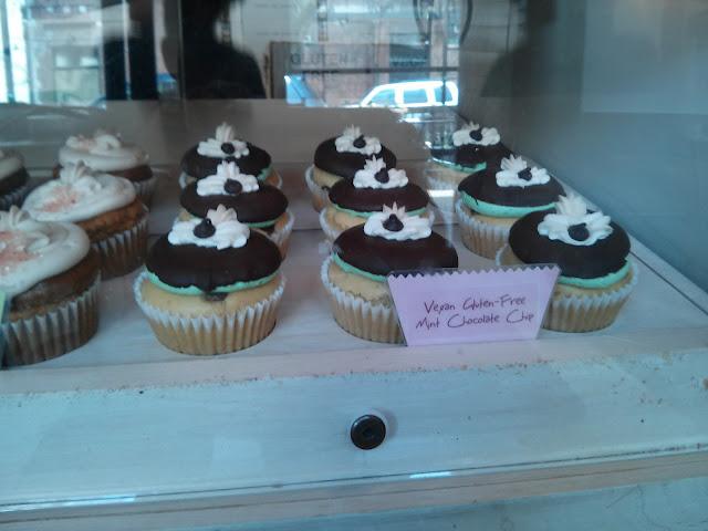 Photo from swirlz cupcakes