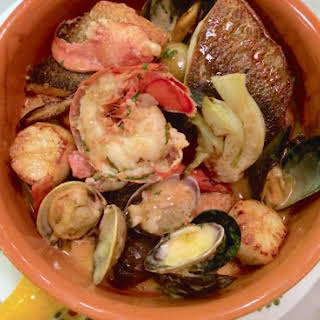 Feast Of Seven Fishes In One Pot.