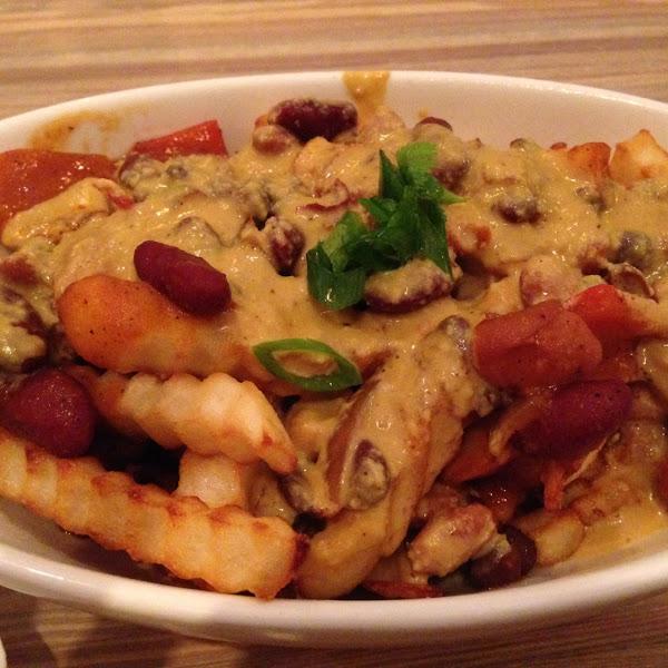 Chili cheese fries with cashew cheese