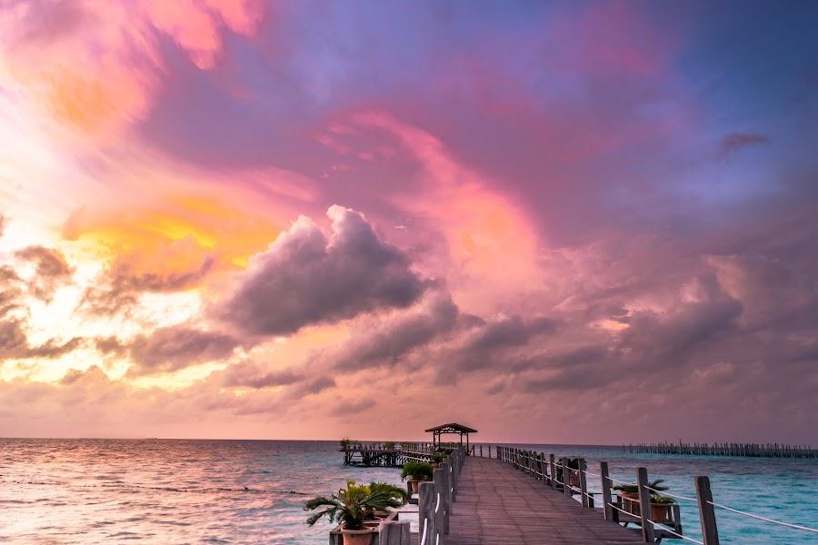 Sipadan Mabul Island, Sabah, Malaysia by Teck Keong Chu - Landscapes Waterscapes ( sipadan mabul island, sabah )