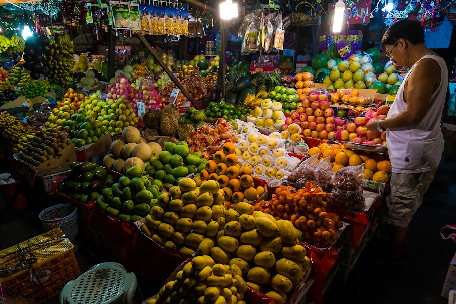 Night Market by Hiroto Inoue - Food & Drink Fruits & Vegetables ( market, philippine, street, night, manila,  )