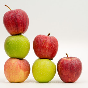 Apple by Eugen Constantinescu - Food & Drink Fruits & Vegetables