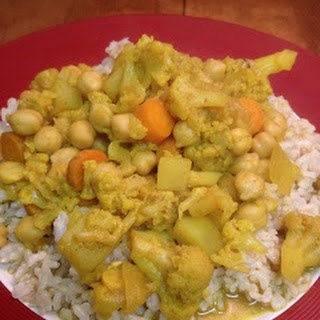 Curried Cauliflower and Chickpeas