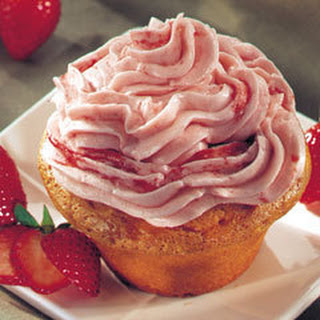 Fluffy Strawberry Cupcakes.