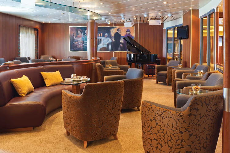 Live piano music adds to the casual ambience of Seven Seas Navigator's Lounge.