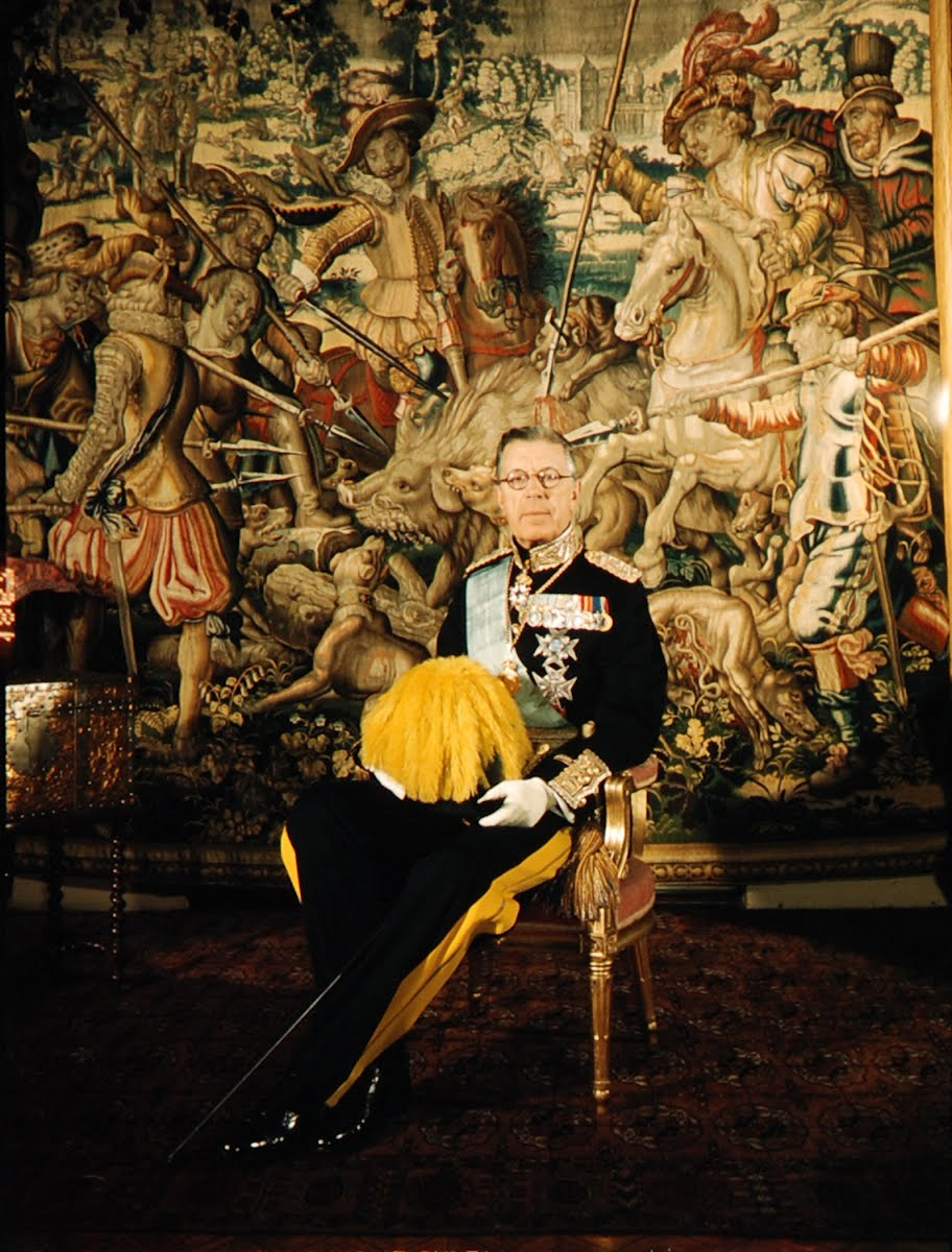 King Gustav's Bier And Portrait Of Gustav Vii Of Sweden