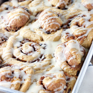 Oatmeal Raisin Cookie Cinnamon Rolls