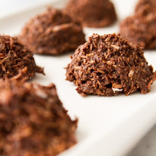 Chocolate Macaroon With Cocoa Powder Recipes.