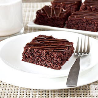 Chewy Fudgy Homemade Brownies (paleo, gluten-free).