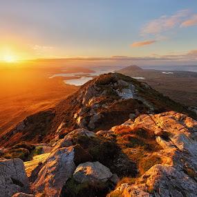 Diamond Hill by Grzegorz Kaczmarek - Landscapes Sunsets & Sunrises ( connemara, national park, irland, greg77, sunset, greg77.net, diamond hill, sun )