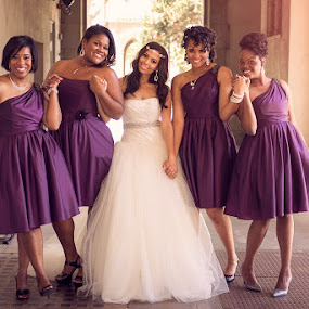 The bride and her ladies by Shirley Cohen - Wedding Groups