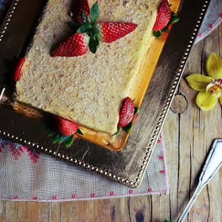 Cookie Cake with Lemon Cream.