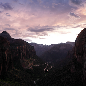 Sunsetting in ZIon by Eric Ebling - Landscapes Mountains & Hills ( vacation, sky, sunset, summer, 5dmark2, zion )
