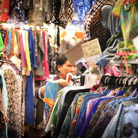 Choose One by Pak'de Blangkon - People Street & Candids ( surakarta, solo, indonesia, street, candid, belanja, people, pasar )
